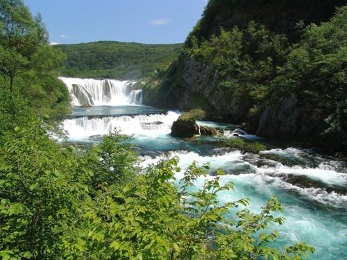 Reka predstavlja tok života