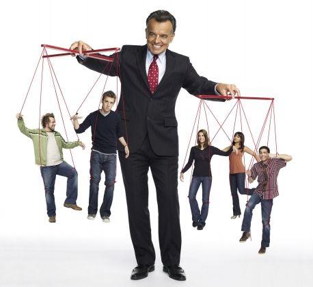 Ne-bela staza je o manipulaciji, vezivanju i strahu