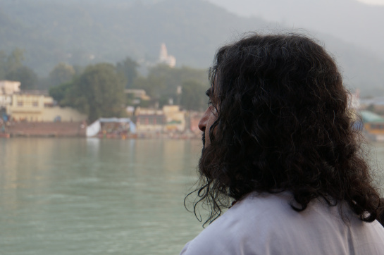 Mohanji at the Ganga river
