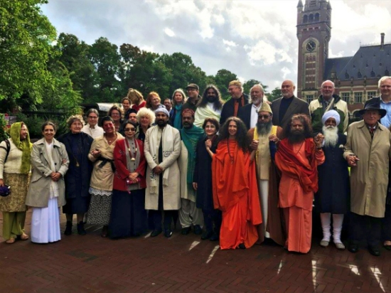all-leaders-getting-ready-to-light-the-lamps-of-peace-outside-the-peace-palace-in-the-hague-2
