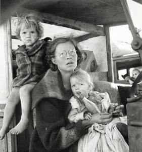 coca-cola-baby-bottle-mother-and-children-tulelake-siskiyou-county-california-dorothea-lange-1939