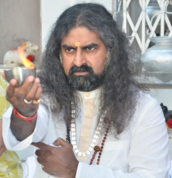 pkmohan-mohanji-atmananda-mohanji-and-fire1