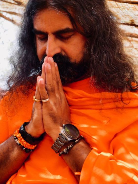 pkmohan-mohanji-atmananda-mohanji-praying